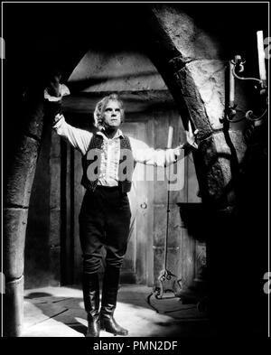 Prod DB © Columbia / DR LE BARON GREGOR (THE BLACK ROOM) de Roy William Neill 1935 USA avec Boris Karloff ambiance, ombres, cave - Stock Photo