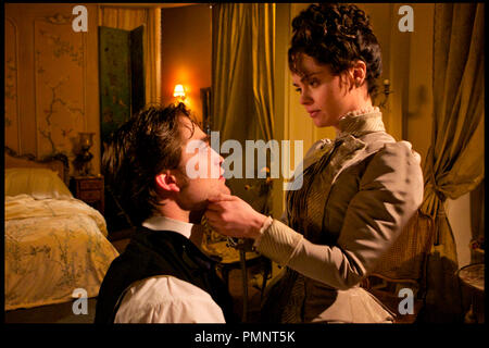 Prod DB © 19 Entertainment - Protagonist Pictures - Rai Cinema - Redwave Films / DR BEL AMI de Declan Donnellan et Nick Ormerod 2012 GB/FRA./ITA. avec Robert Pattinson et Christina Ricci XIXeme siecle, 19eme siecle d'apres le roman de Guy de Maupassant - Stock Photo