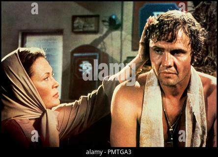 Prod DB © Metro-Goldwyn-Mayer / DR LE CHAMPION (THE CHAMP) de Franco Zeffirelli 1979 USA avec Faye Dunaway et Jon Voight boxeur, consoler, defaite - Stock Photo