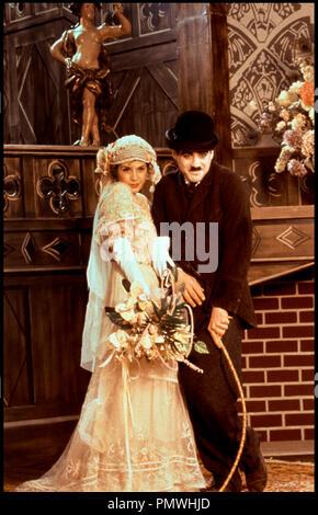 Prod DB © TriStar Pictures / DR CHAPLIN (CHAPLIN) de Richard Attenborough 1992 USA avec Marisa Tomei et Robert Downey Jr. biographie de Charles Chaplin, charlie chaplin, charlot - Stock Photo