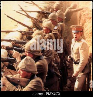Prod DB © RKO - Picture Show / DR LA CHEVAUCHE DE FEU (THE LIGHTHORSEMEN) de Simon Wincer 1987 AUS tranchee, guerre - Stock Photo