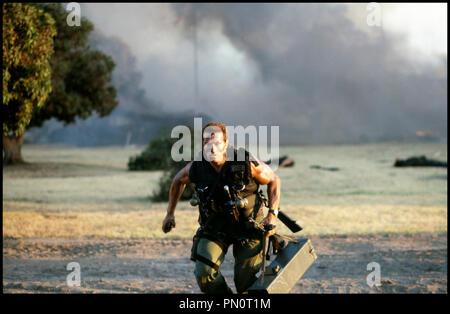 Prod DB © 20TH Century / DR COMMANDO de Mark Lester 1985 USA avec Arnold Schwarzenegger militaire, courir, combat, bataille, camouflage - Stock Photo