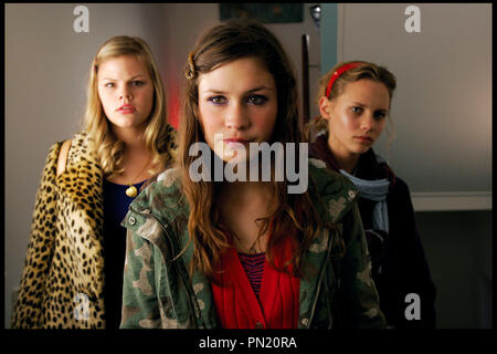 Prod DB © Nordisk Film / DR DEFIS ENTRE COPINES (SUPERVOKSEN) de Christina Rosendahl 2006 DAN. avec Amalie Lindegard, Emma Leth et Cathrine Bjorn adolescente autres titres: Spakop (Denmark) (working title), Triple Dare (International: English title) - Stock Photo