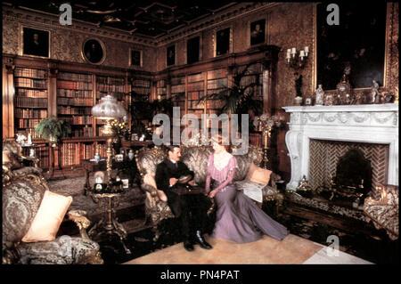 Prod DB © Handmade Films / DR DROLE DE MISSIONNAIRE (THE MISSIONARY) de Richard Loncraine 1982 GB avec Michael Palin et Maggie Smith luxe, haute bourgeoisie, design, - Stock Photo