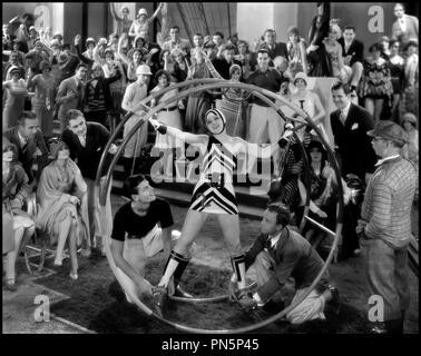 Prod DB © Metro-Goldwyn-Mayer / DR DYNAMITE de Cecil B. DeMille 1929 USA numéro de cabaret, spectacle, gymnaste - Stock Photo