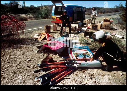 Prod DB © Guercio-Hitzig / DR ELECTRA GLIDE IN BLUE de James William Guercio 1973 USA avec Billy Green Bush et Robert Blake motard de la police, arrestation, controle de police, fouille, hippie - Stock Photo
