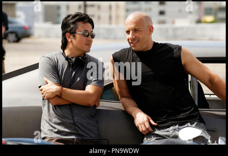 Prod DB © Universal Pictures - Original Film / DR FAST FIVE de Justin Lin 2011 USA avec Justin Lin et Vin Diesel sur le tournage - Stock Photo