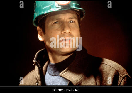 Prod DB © The Montecito Picture Company / DR EVOLUTION (EVOLUTION) de Ivan Reitman 2001 USA avec David Duchovny casque, chantier, ouvrier - Stock Photo