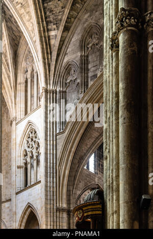 Interior view of vaults of St. Andrew Cathedral in Bordeaux - Stock Photo