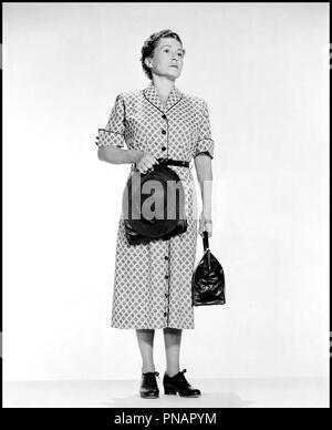 Prod DB © Paramount / DR FENETRE SUR COUR (REAR WINDOW) de Alfred Hitchcock 1954 USA avec Thelma Ritter portrait, sac a mains d'apres Cornell Woolric - Stock Photo