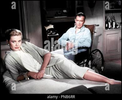 Prod DB © Paramount / DR FENETRE SUR COUR (REAR WINDOW) de Alfred Hitchcock 1954 USA avec Grace Kelly et James Stewart infirme, handicape, fauteuil roulant d'apres Cornell Woolrich - Stock Photo