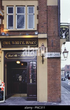 The White Hart pub, Covent Garden, London, UK. Circa 1980's - Stock Photo