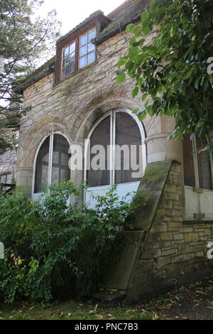 Evanston Historical Society architect designed high end vintage home and detail located on Lake Michigan lakefront property. - Stock Photo