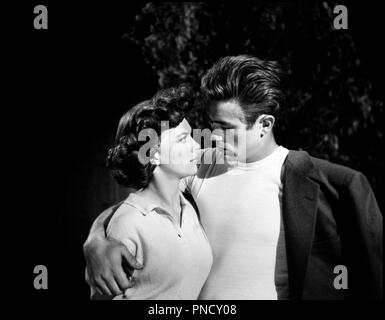 Nicholas Ray, Natalie Wood, James Dean and Ann Doran,