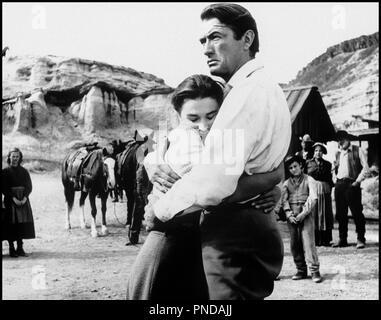 Prod DB © United Artists / DR LES GRANDS ESPACES (THE BIG COUNTRY) de William Wyler 1958 USA avec Jean Simmons et Gregory Peck western, couple, consoler d'après le roman de Donald Hamilton - Stock Photo
