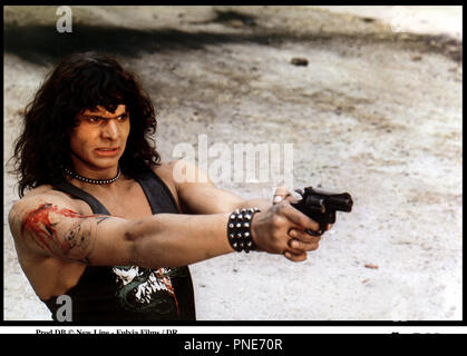 Prod DB © New Line - Fulvia Films / DR LES GUERRIERS DU BRONX 2 (FUGA DEL BRONX) de Enzo G. Castellari 1984 ITA / USA avec Mark Gregory plage, viser, coup de feu, pistolet - Stock Photo