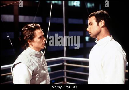 Prod DB © Double A Films / DR HAMLET (HAMLET) de Michael Almereyda 2000 USA avec Ethan Hawke et Liev Schreiber escrime, combinaisons, intimidation d'apres la piece de William Shakespeare - Stock Photo