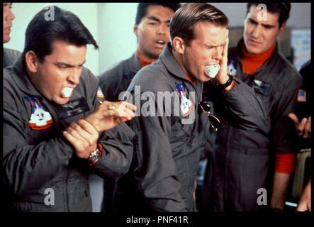 Prod DB ©Ê20th Century Fox / DR HOT SHOTS (HOT SHOTS!) de Jim Abrahams 1991 USA avec Charlie Sheen et Cary Elwes prequelle, parodie, - Stock Photo