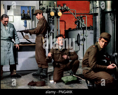 Prod DB © Rank Organisation / DR LES HEROS DE TELEMARK (THE HEREOS OF TELEMARK) de Anthony Mann 1965 USA avec Kirk Douglas - Stock Photo
