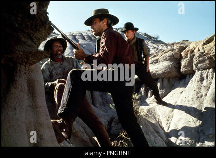 Prod DB © Malpaso - Warner Bros / DR IMPITOYABLE (UNFORGIVEN) de Clint Eastwood 1992 USA avec Jaimz Woolvett, Clint Eastwood et Morgan Freeman western, rocheuses, embuscade, fusil, cow-boys - Stock Photo