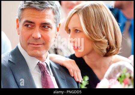 Prod DB ©The montecito picture company - DreamWorks Pictures / DR IN THE AIR (UP IN THE AIR) de Jason Reitman 2009 USA avec George Clooney et Vera Farmiga drague, séduction - Stock Photo