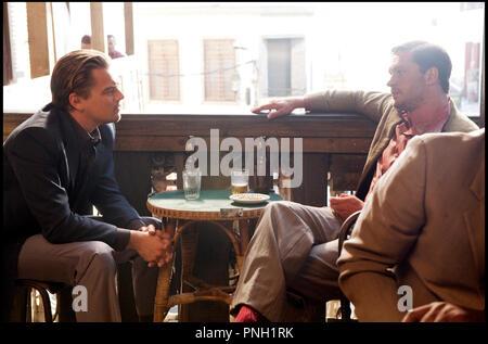 Prod DB © Warner Bros. Pictures - Legendary Pictures / DR INCEPTION de Christopher Nolan 2010 USA avec Leonardo DiCaprio et Tom Hardy discussion - Stock Photo