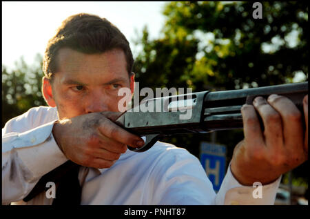 Prod DB © Forward Pass - Gideon Productions - Infinity Media / DR KILLING FIELDS (TEXAS KILLING FIELDS) de Ami Canaan Mann 2011 USA avec Sam Worthington tiré d'une histoire vraie, polar, thriller, shotgun, fusil a pompe - Stock Photo