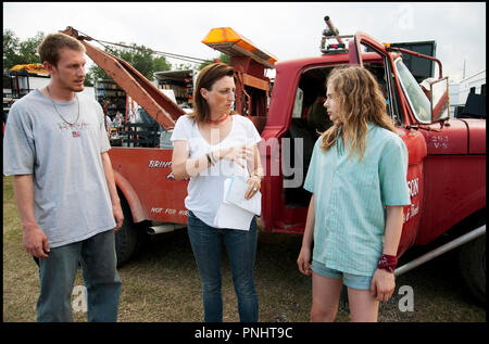 Prod DB © Forward Pass - Gideon Productions - Infinity Media / DR KILLING FIELDS (TEXAS KILLING FIELDS) de Ami Canaan Mann 2011 USA avec James Hébert, Ami Canaan Mann et Chloë Grace Moretz sur le tournage - Stock Photo
