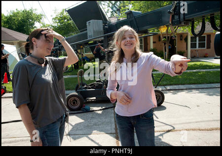 Prod DB © Forward Pass - Gideon Productions - Infinity Media / DR KILLING FIELDS (TEXAS KILLING FIELDS) de Ami Canaan Mann 2011 USA avec Ami Canaan Mann et Chloë Grace Moretz sur le tournage - Stock Photo