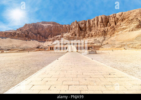 The Mortuary Temple of Hatshepsut, also known as the Djeser-Djeseru. Built for the Eighteenth Dynasty pharaoh Hatshepsut - Stock Photo