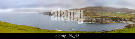 The stunning landscape of Ashleam Bay viewed from the Wild Atlantic Way, on Achill Island, Ireland. - Stock Photo