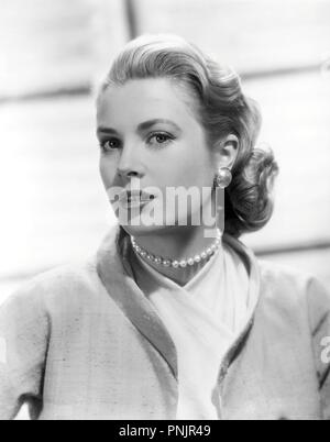 Original film title: REAR WINDOW. English title: REAR WINDOW. Year: 1954. Director: ALFRED HITCHCOCK. Stars: GRACE KELLY. Credit: PARAMOUNT PICTURES / Album - Stock Photo