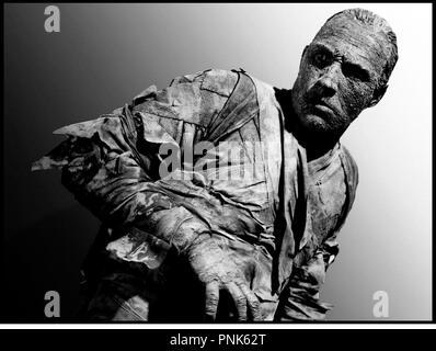 Prod DB © Universal / DR LA MAIN DE LA MOMIE (THE MUMMY'S HAND) de Christy Cabanne 1940 USA   avec Tom Tyler  science-fiction, fantastique Code N¡ 1078 - Stock Photo