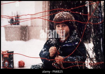 Prod DB © 20th Century Fox / DR MAMAN, JE M'OCCUPE DES MECHANTS (HOME ALONE 3) de Raja Gosnell 1997 USA Alex D. Linz faire un pige sous la neige - Stock Photo