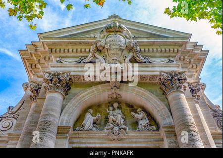 France. Gard (30). Villeneuve-Les-Avignon. Chartreuse Notre-Dame-du-Val-de-Bénédiction. The monumental portal. Detail of the portico - Stock Photo