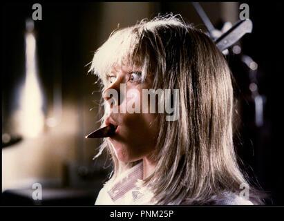 Prod DB © Fulvia Films / DR LA MAISON PRES DU CIMETIERE (QUELLA VILLA ACCANTO AL CIMITERO) de Lucio Fulci 1981 ITA avec Daniela Doria horreur, gore, couteau, sang, mort, indigestion - Stock Photo