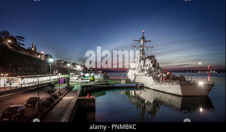 Cobh, Cork, Ireland. 25th March, 2017. The USS Donald Cook, an Arleigh Burke-class guided missile destroyer  berthed at the deep water quay during her - Stock Photo