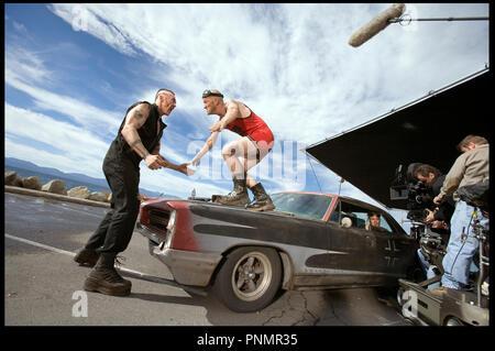 Prod DB ©Working Title - Universal / DR MI$E A PRIX (SMOKIN' ACES) de Joe Carnahan 2007 USA / GB / FRA  avec Kevin Durand, Maury Sterling et Chris Pine sur le tournage - Stock Photo