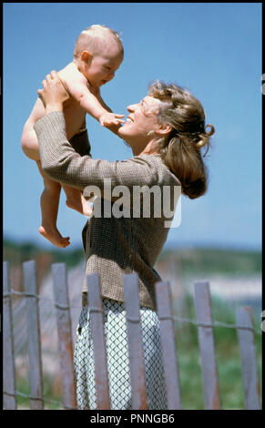 Prod DB © Warner Bros / DR LE MONDE SELON GARP (THE WORLD ACCORDING TO GARP) de George Roy Hill 1982 USA avec Glenn Close enfant d'après le roman de John Irving - Stock Photo