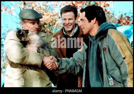 Prod DB © Universal / DR MON BEAU-PERE ET MOI (MEET THE PARENTS) de Jay Roach 2000 USA avec Robert DeNiro et Ben Stiller - Stock Photo