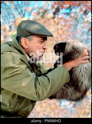 Prod DB © Universal / DR MON BEAU-PERE ET MOI (MEET THE PARENTS) de Jay Roach 2000 USA avec Robert DeNiro gateux, chat, animal - Stock Photo