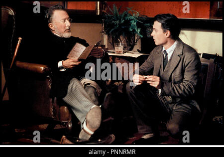 Prod DB © Film Colony / DR NEVERLAND (FINDING NEVERLAND) de Marc Forster 2003 USA / GB avec Johnny Depp et Dustin Hoffman d'apres la piece de Allan Knee - Stock Photo