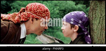 Prod DB © Film Colony / DR NEVERLAND (FINDING NEVERLAND) de Marc Forster 2003 USA / GB avec Johnny Depp jeu, enfant, pirate d'apres la piece de Allan Knee - Stock Photo