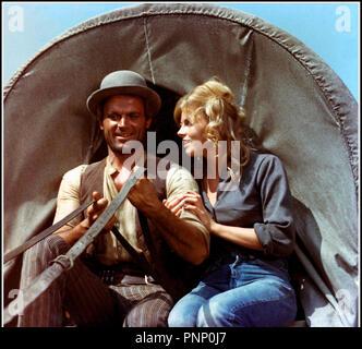 Prod DB © West Film / DR ON CONTINUE A L'APPELER TRINITA (E CONTINUAVANO A CHIAMARLO TRINITA) de E.B. Clucher (Enzo Barboni) 1971 ITA avec Terence Hill et Yanti Somer western spaghetti, serie, sequelle - Stock Photo