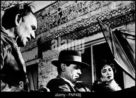 Prod DB © AIP / DR MITRAILLETTE KELLY (MACHINE-GUN KELLY) de Roger Corman 1958 USA avec Morey Amsterdam, Charles Bronson et Susan Cabot 30's, gangster, voiture decapotable, - Stock Photo