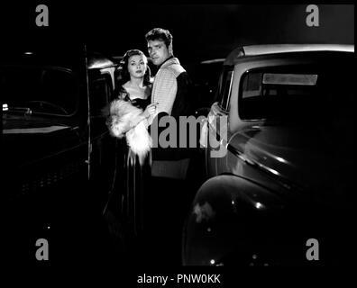 Prod DB © Universal / DR POUR TOI J'AI TUE (CRISS CROSS) 1949 de Robert Siodmak USA d'apres le roman de Don Tracy avec Yvonne De Carlo et Burt Lancaster  couple, voiture - Stock Photo