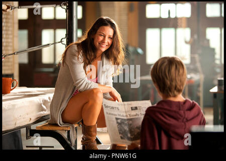 Prod DB © DreamWorks SKG - Angry Films / DR REAL STEEL de Shawn Levy 2011 USA avec Evangeline Lilly et Dakota Goyo science fiction, anticipation - Stock Photo