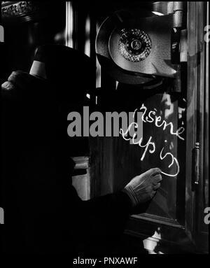 Prod DB © Metro-Goldwyn-Mayer / DR LE RETOUR D'ARSENE LUPIN (ARSENE LUPIN RETURNS) de George Fitzmaurice 1938 USA avec Melvyn Douglas signature, signer, craie, coffre fort, cambiolage, casse, gentleman cambrioleur d'apres le personnage de Maurice Leblanc - Stock Photo