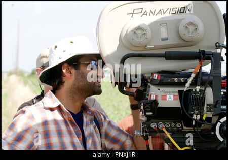 Prod DB © Rogue Pictures / DR THE RETURN de Asif Kapadia 2006 USA avec Asif Kapadia sur le tournage camera, panavision - Stock Photo