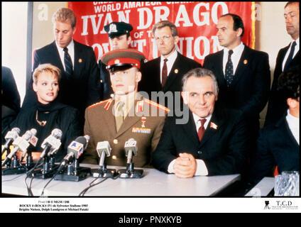 Prod DB © MGM / DR ROCKY 4 (ROCKY IV) de Sylvester Stallone 1985 USA avec Brigitte Nielsen, Dolph Lundgren et Michael Pataki sequelle, presentation, conference de presse, armee rouge, - Stock Photo